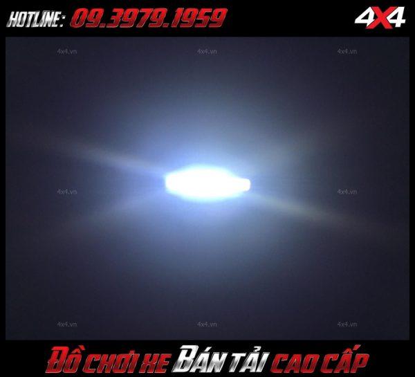 Hình ảnh đèn led bar oto: xe Ford Ranger và xe bốn bánh gắn đèn led bar để trang trí cho xe thêm đẹp mắt