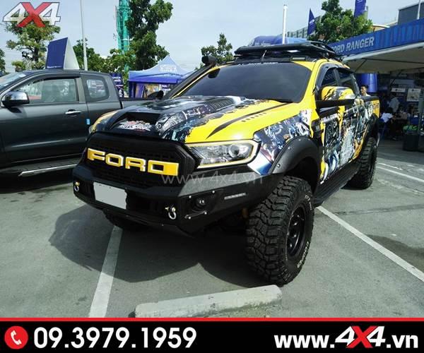 Ốp viền đèn trước độ đẹp cùng nhiều món đồ chơi khác cho xe Ford Ranger nổi bật hơn