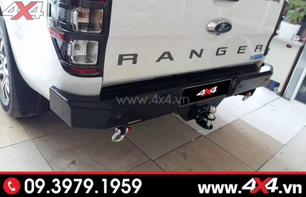 Xe Ford Ranger trắng gắn cản sau Jungle PJ 261 giúp xe đẹp, cứng cáp và thể thao hơn rất nhiều