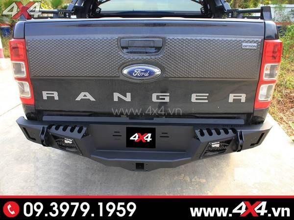 Ford Ranger màu đen lên cản sau Option 4WD đẹp, cứng cáp và chất