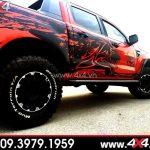 Xe bán tải màu đỏ độ đẹp với tem xe bán tải màu đen ngầu và chất