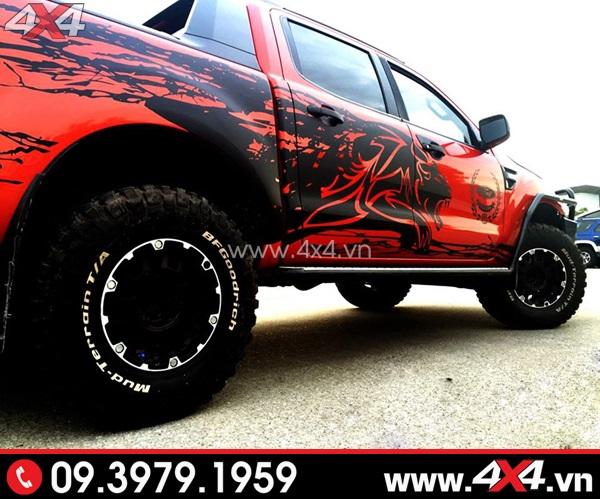 Tem dán xe bán tải - Xe bán tải màu đỏ độ đẹp với tem xe bán tải màu đen ngầu và chất