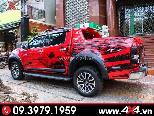 Chiếc bán tải màu đỏ độ ngầu, chất và đẹp với tem xe màu đena