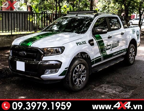 Tem dán xe bán tải - Chiếc bán tải trắng độ đẹp với tem police điểm xanh