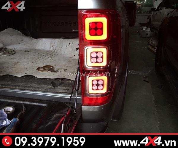 Cụm đèn trước mẫu Ford Mustang với mắt quỷ đổi màu