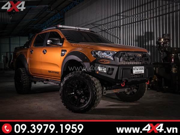 Chiếc Ford Ranger cam độ hầm hố với đèn led bar, cản, mâm, lốp,...