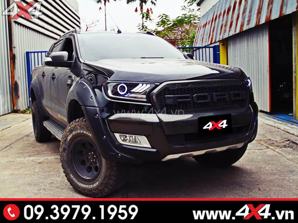 Chiếc bán tải Ford Ranger màu đen lên đèn độ cực đẹp và bắt mắt