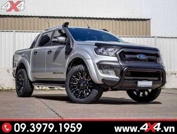 Mâm xe Ford Ranger - Chiếc Ford Ranger màu bạc độ ngầu với mâm Fuel Battle Axe, cản trước chữ U, ống thở