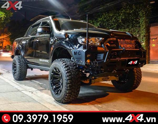 Mâm xe Ford Ranger - Chiếc Ford Ranger đen cực ngầu với mâm Fuel battle Axe, cản trước, độ nâng gầm