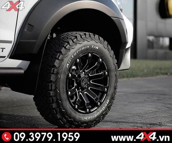 Mâm xe Ford Ranger - Xe bán tải Ford Ranger nhìn cứng cáp hơn với mâm độ, lốp và ốp cua lốp