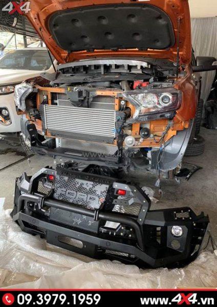 Cản trước Ford Ranger - Cản Open N Thái Lan đang được lắp ráp lên xe