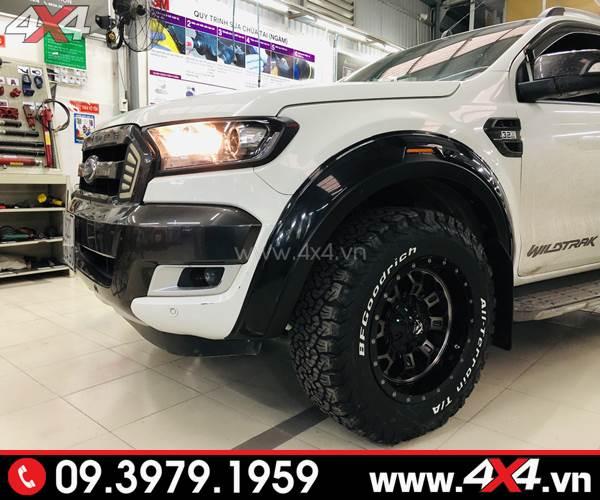 Lốp xe bán tải: Chiếc xe bán tải Ford Ranger màu trắng lên lốp AT BF goodrich cực đẹp và bắt mắt