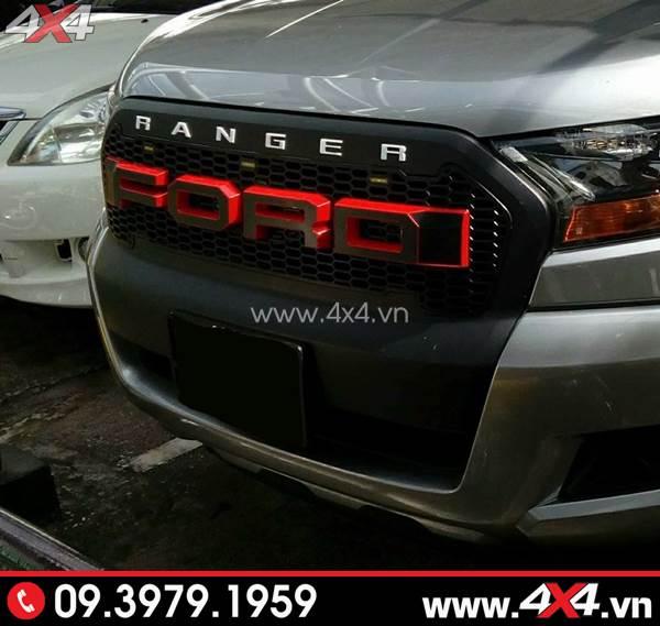 Mặt nạ chữ Ford màu đen đỏ gắn đẹp cho xe Ford Ranger