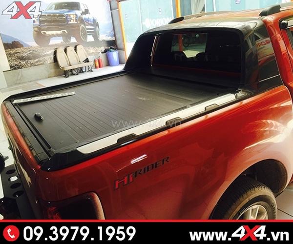 Nắp thùng cuộn Ford Ranger CB-744 độ đẹp và chất cho Ford Ranger màu đỏ