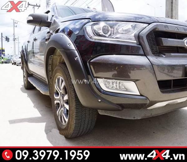 Ốp cua lốp màu đen độ ngầu và cứng cáp cho xe Ford Ranger