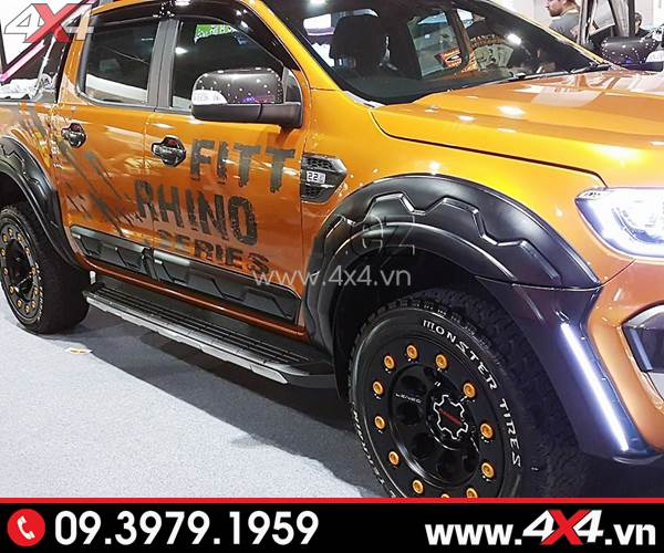 Ốp cua lốp có đèn độ nổi bật cho xe Ford Ranger màu cam