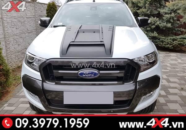 Ốp nắp capo màu đen loại 2 gắn xe Ford Ranger màu trắng