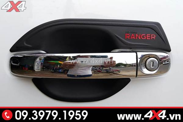 Ốp chén cửa màu đèn và ốp tay nắm inox gắn xe Ford Rnager