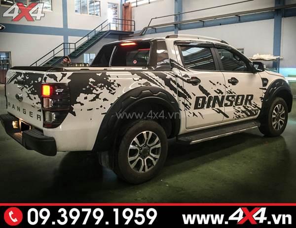 Tem dán xe Ford Ranger: Mẫu tem dán màu đen độ đẹp cho xe Ford Ranger màu trắng