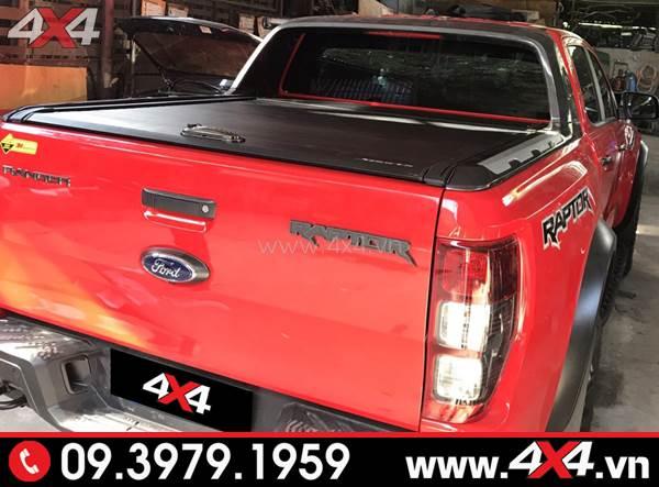 Bán tải Ford Ranger Raptor màu đỏ gắn nắp thùng cuộn đẹp và ngầu