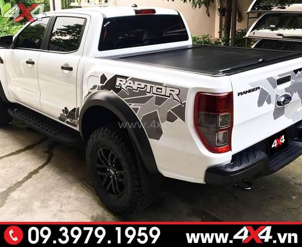 Nắp thùng cuộn màu đen gắn đẹp cho xe Ford Ranger Raptor