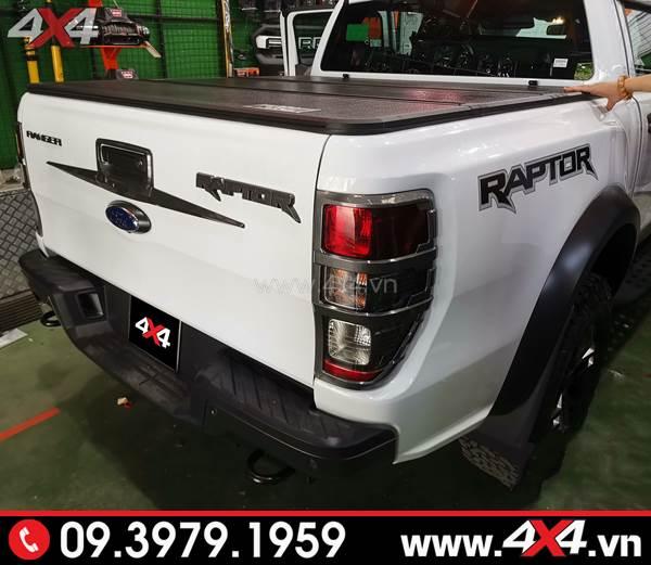 Ốp mở cốp thùng sau và ốp đèn hậu carbon độ đẹp cho xe Ford Ranger Raptor