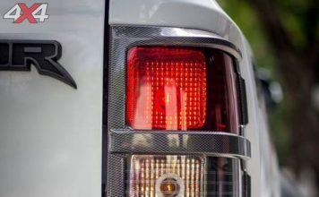 Ốp viền đèn hậu carbon độ đẹp và đẳng cấp cho xe Ford Ranger Raptor