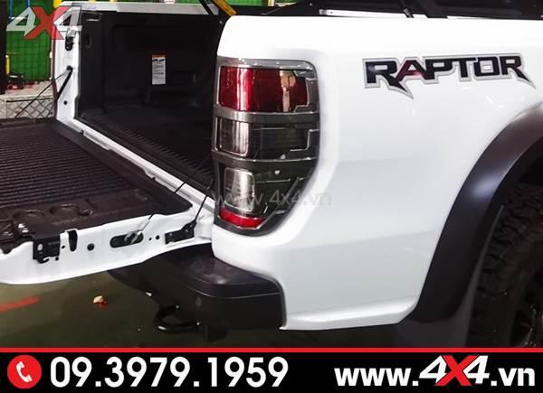 Ốp viền đèn hậu độ đẹp cho xe Ford Ranger Raptor