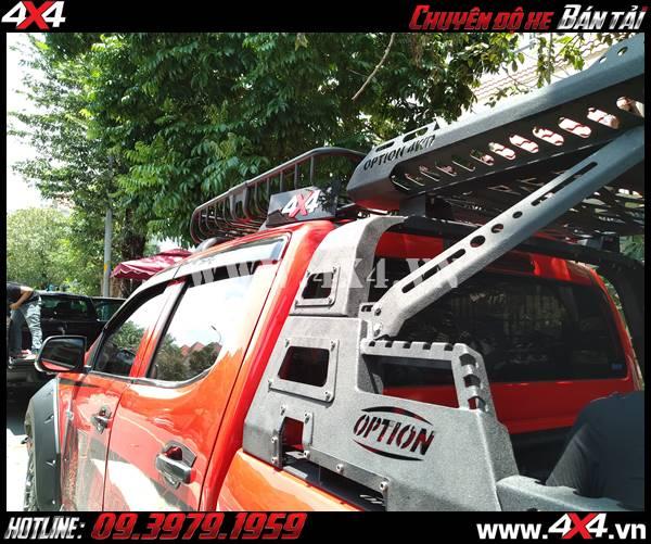 thanh thể thao 4WD có sẵn baga ở trên rất tiện lợi