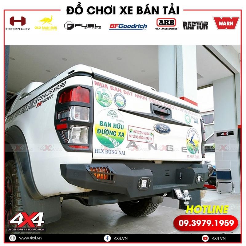 Xe bán tải Ford Ranger độ cản sau Cantech giúp xe thêm cứng cáp và hầm hố hơn