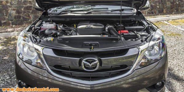 Ảnh chụp động cơ xe Mazda BT-50 2018